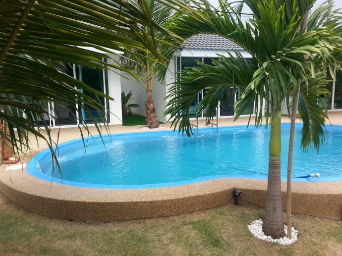hotel with pool in Mahasarakam7