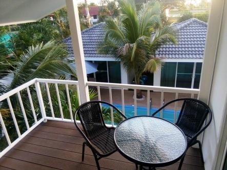 Coconut_palms_Hotel_with_Swimming_pool_Mahasarakaham_094