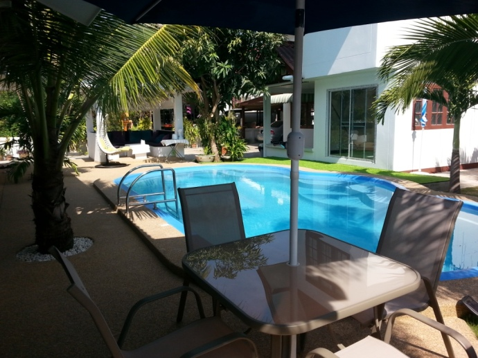 Coconut Palms Hotel with pool in Mahasarakham, Thailand