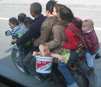 overloaded_motorbike1
