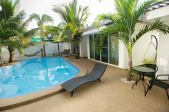 coconut_palms_thailand_hotel_with_pool_mahasarakham_005